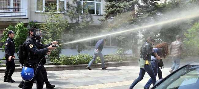 KESK'İN OHAL VE KHK AÇIKLAMASINA POLİS VAHŞİCE SALDIRDI!