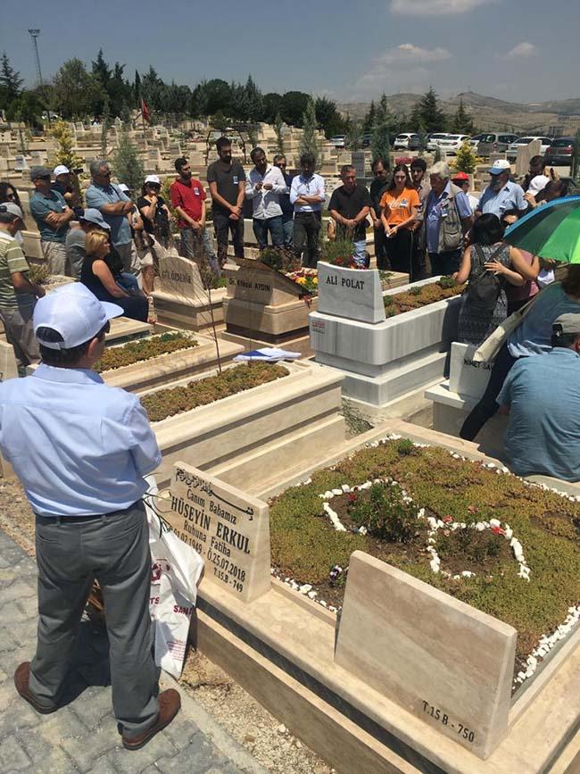 Köksal-Aydın-birinci-ölüm-yıldönümü-mezarlıkta-anma-foto-12