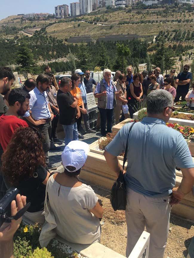 Köksal-Aydın-birinci-ölüm-yıldönümü-mezarlıkta-anma-foto-14