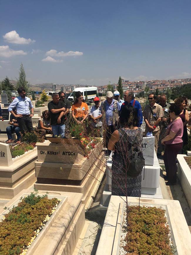 Köksal-Aydın-birinci-ölüm-yıldönümü-mezarlıkta-anma-foto-9